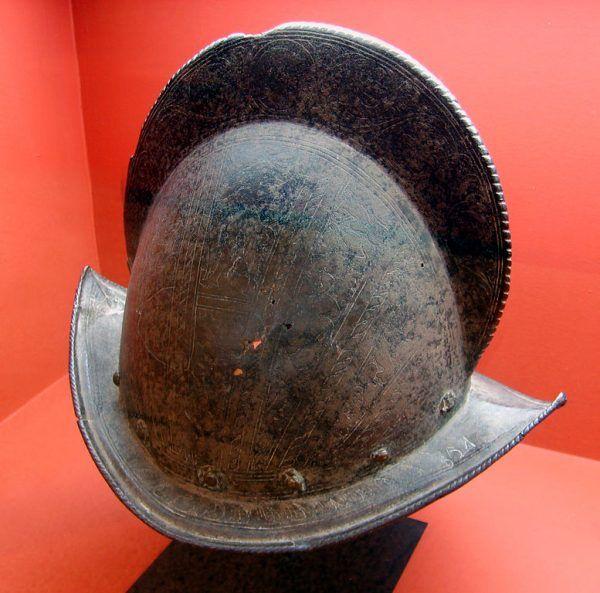 Hiszpański hełm konkwistatorów z XVI stulecia.