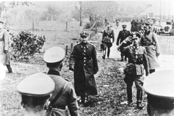 Przedstawicielem po stronie polskiej przy podpisaniu kapitulacji stolicy był generał Tadeusz Kutrzeba.