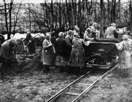 Najgorszą sławę zdobył KL Ravensbrück utworzony już w 1938 r. Przeznaczony był wyłącznie dla kobiet.