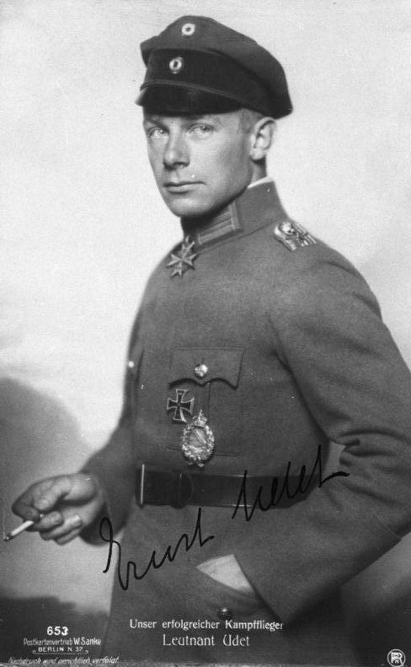 Ernst Udet w 1918 roku (fot. domena publiczna)