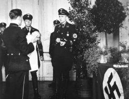 """Nazistowski """"chrzest"""" dziecka z Lebensborn."""