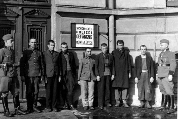 Pierwszymi ofiarami masowej egzekucji w Przegorzałach byli więźniowie osadzeni na Montelupich.