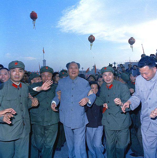 Na prowincjach panował terror, a Mao świętował powodzenie Wielkiej Proletariackiej Rewolucji Kulturalnej.