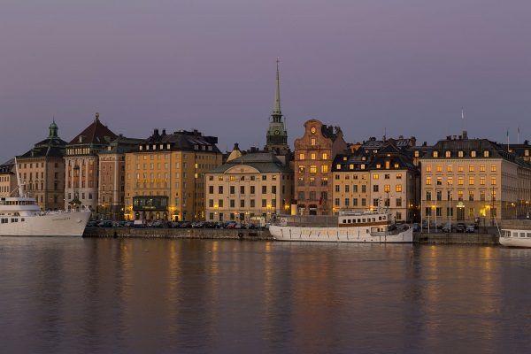 Wśród szwedzkich miast dużą popularnością wśród muzułmanów cieszy się Sztokholm (na ilustracji) czy Malmö.