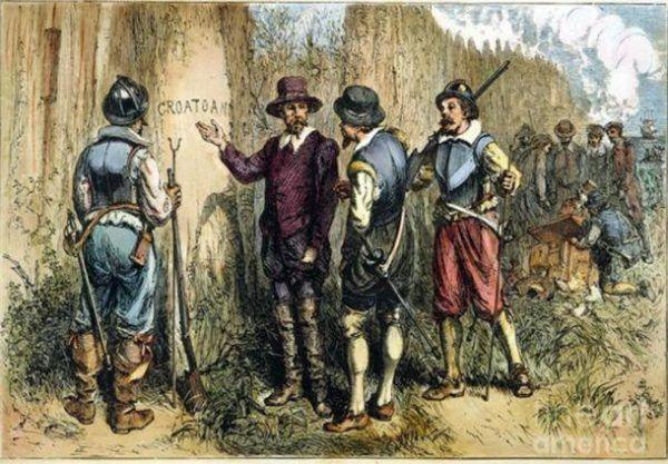 """Pod koniec XVI wieku kolonia całkowicie opustoszała. Mieszkańcy pozostawili po sobie tylko jedną wskazówkę - wyryte na palisadzie słowo """"Croatoan""""."""
