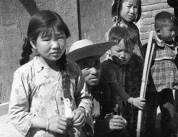 W czasie Wielkiego Skoku ofiarami kanibalizmu padały przede wszystkim dzieci. Zdjęcie poglądowe.