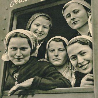 Warunki bytowe w III Rzeszy były dla Polek bardzo ciężkie. Jednak Niemcy szerzyli propagandę świetlanej przyszłości jaka miała czekać na ludzi.