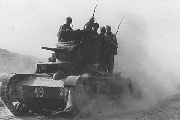 Czołgi T-26 produkcji radzieckiej podczas Hiszpańskiej Wojny Domowej nie odniosły spodziewanych sukcesów.