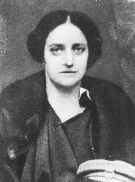 Aleksandra Szczerbińska na fotografii portretowej z 1919 roku