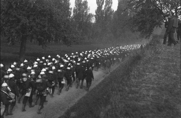 Metody stosowane w cesarskiej armii służyły nie tylko germanizacji, ale również modernizacji społeczeństwa. Na zdjęciu z 1888 roku żołnierze na manewrach.