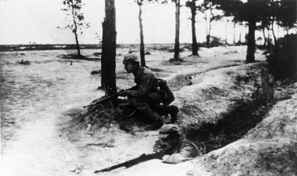 Pod Arras naprzeciwko siebie stanęli Polacy w niemieckich i francuskich mundurach.