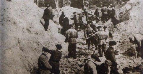 Ekshumacja w Katyniu