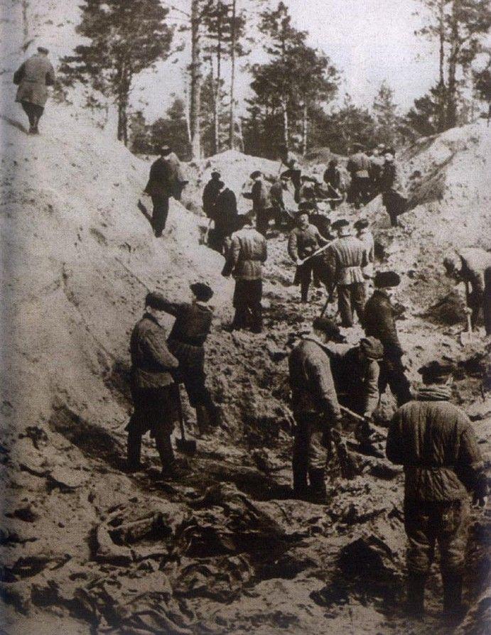 Z dołów śmierci w Katyniu wydobyto być może nawet 39 pamiętników.