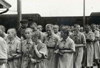 Przez lata historycy próbowali oszacować faktyczną liczbę ofiar obozu Auschwitz.