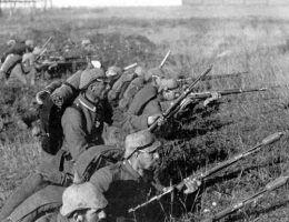 Ilu Polaków w latach 1914-1918 założyło mundury koloru Feldgrau?