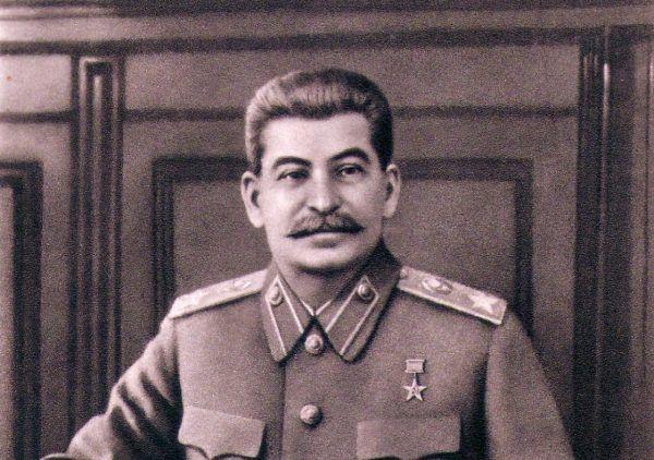 Stalin jeszcze w 1947 roku bronił Kuomintangu, odradzając chińskim komunistom kontynuowanie ofensywy na południu.