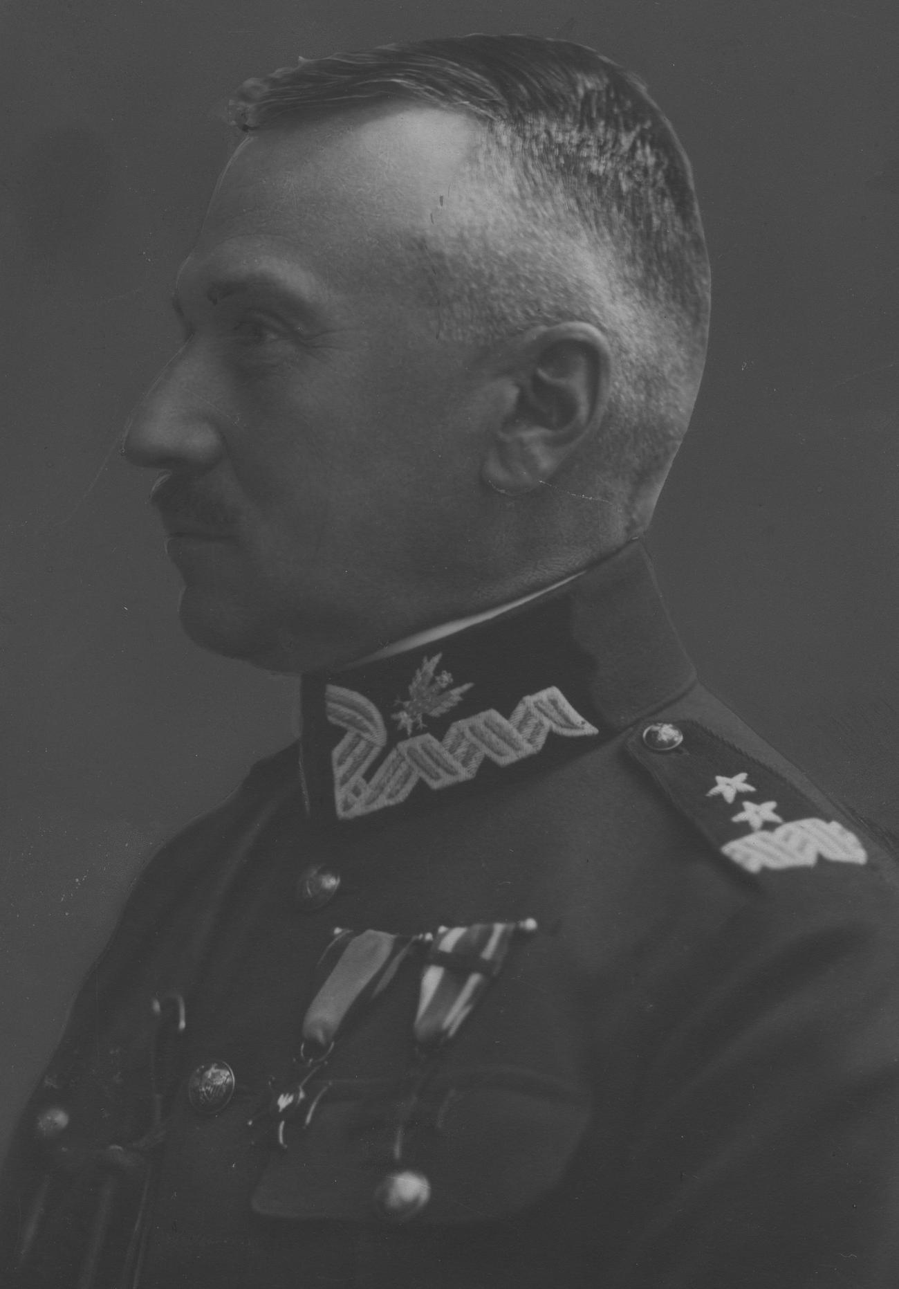 W Ostaszkowie zginął między innymi generał Stanisław Haller.
