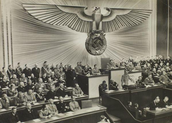 Hitler głosił antysemickie poglądy na długo zanim doszedł do władzy.