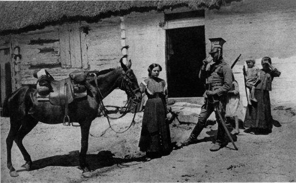 Tylko tak mężczyźni wyobrażali sobie rolę kobiet na wojnie: jako pomagierek, mających przynieść, podać, napoić konie.