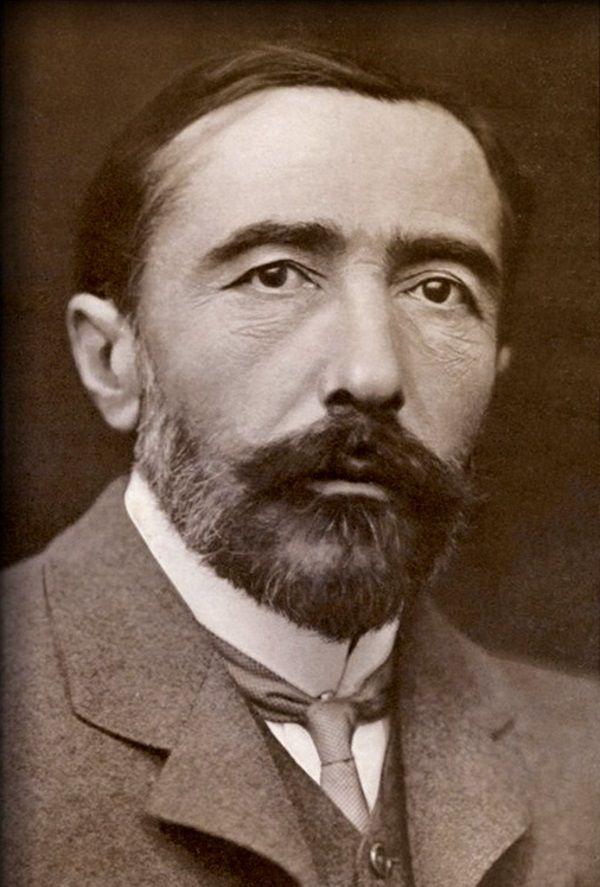 Joseph Conrad (fot. domena publiczna)
