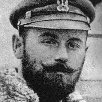 W młodości przystojny Śmigły-Rydz mógł przebierać w kobietach. Pech chciał, że oddał serce manipulantce, która w ogóle go nie szanowała (zdjęcie z ok. 1914 roku).