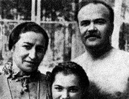 Polina Żemczużyna, Wiaczesław Mołotow i ich córka Swietłana.