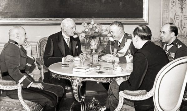Związek Śmigłego Rydza z Martą Zaleską nie był udany. Para właściwie nigdy nie pokazywała się publicznie razem (na zdj. Rydz podczas uroczystego śniadania wydanego przez Prezydenta RP Ignacego Mościckiego na Zamku Królewskim.