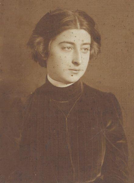 Zofia Zawiszanka na fotografii z lat młodości