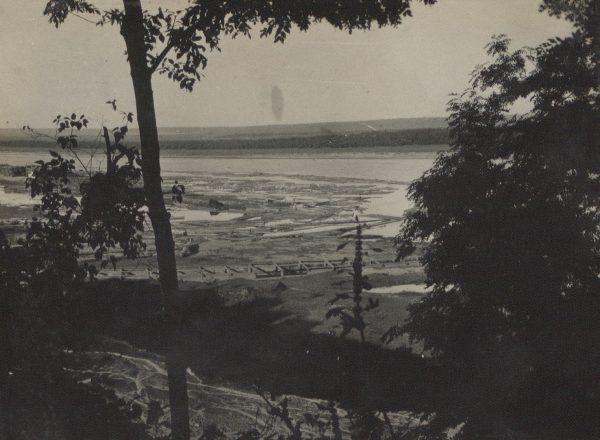 Berezyna na zdjęciu z 1915 roku. Pięć lat później nad rzeką toczyły się zażarte walki pomiędzy żołnierzami Wojska Polskiego a polskimi czerwonoarmistami.