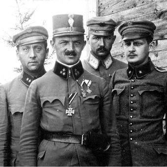 Członkowie sztabu drugiego pułku piechoty Legionów.