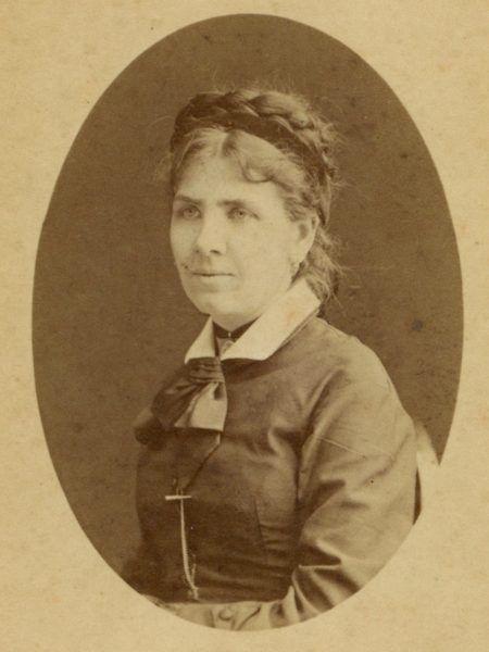 Maria Juszkiewiczowa na innej fotografii z lat młodości
