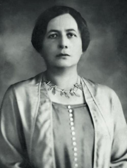 Maria już nie Juszkiewiczowa, lecz Piłsudska. Fotografia wykonana wiele lat po ślubie, gdy małżeństwo Piłsudskich przeżywało wyraźny kryzys.