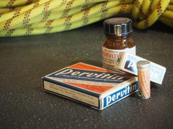 Niemcy szybko zorientowali się jak wyniszczające skutki niesie ze sobą regularne zażywanie pervitinu.