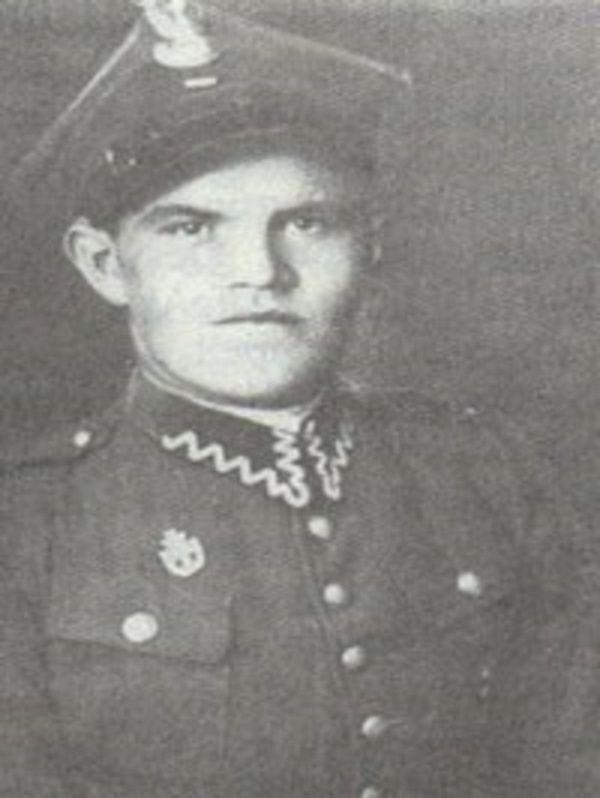 Pierwszym uciekinierem z Auschwitz był Tadeusz Wiejowski.