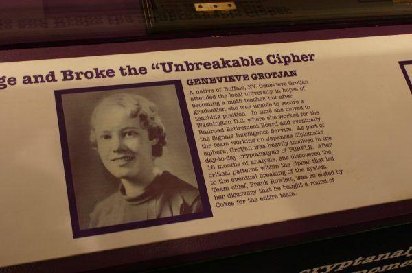 Upamiętnienie Genevieve Grotjan w amerykańskim National Cryptologic Museum (fot. Ryan Somma, lic. CC BY 2.0)