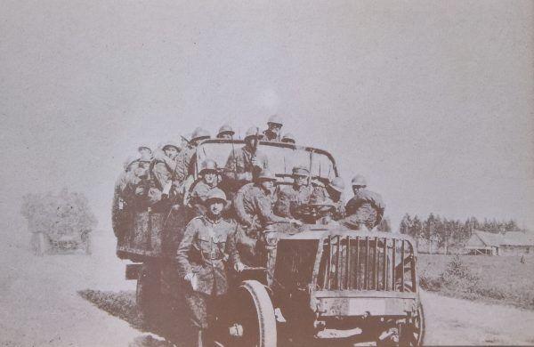 Żołnierze 1 Pułku Piechoty Legionów podczas wyprawy kijowskiej.
