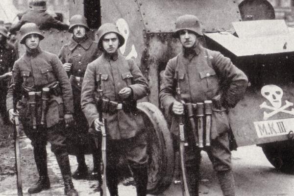 Niemcy co prawda przegrali I wojnę światową, ale wiosną 1919 roku wciąż mieli setki tysięcy zaprawionych bojach weteranów pod bronią.