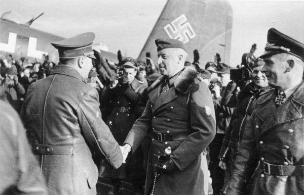 Relacja Mansteina z Hitlerem z każdym miesiącem stawały się coraz gorsze.