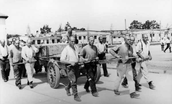 Dachau - pierwszy hitlerowski obóz koncentracyjny.
