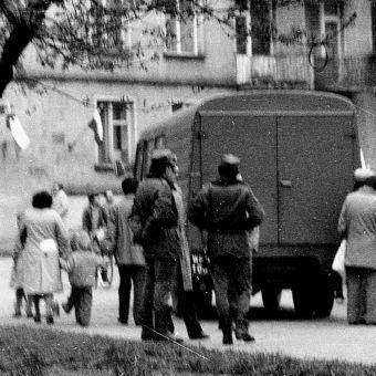 """Gdy na jaw wychodziła kolejna zbrodnia Milicja Obywatelska musiała """"chronić"""" opinię publiczną przed takimi mrożącymi krew w żyłach historiami (fot. Julo, lic. CC0)"""