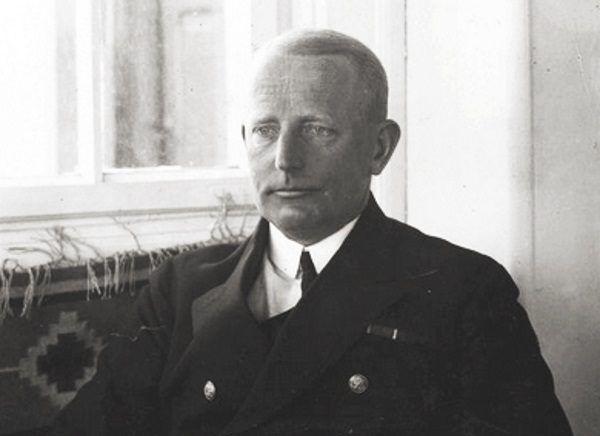 """""""Nie chcę wywoływać wojny polsko-kaszubskiej"""" - stwierdził kontradmirał Unrug, odrzucając plan podjęcia działań zaczepnych."""