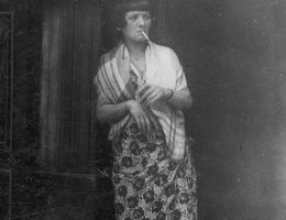 W oblężonym Leningradzie dobrze odżywione kobiety od razu były posądzane o prostytucję. Zdjęcie poglądowe.