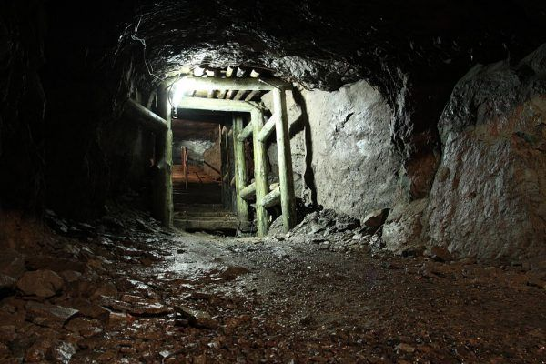 Do pracy przy projekcie górniczym o kryptonimie Riese Niemcy zaangażowali tysiące przymusowych robotników.