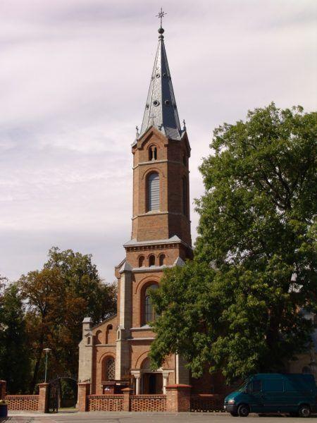 Połaniec, kościół parafialny p.w. św. Marcina. To po jego opuszczeniu rozpoczął się koszmar ofiar zbrodni połanieckiej (fot. Kamil272, lic. CCA SA 3.0 PL)