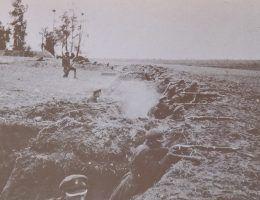 Spieszeni ułani podczas walk wiosną 1920 roku.