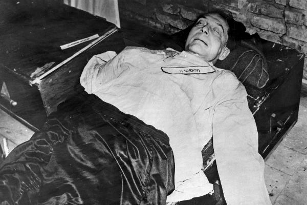 Skazany na śmierć Göring postanowił wziąć sprawy we własne ręce i popełnił samobójstwo dzień przed planowaną egzekucją.