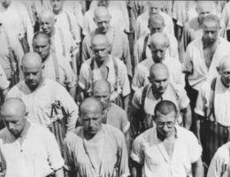 Pierwsze obozy powstały już w 1933 roku. Na zdjęciu więźniowie Dachau.