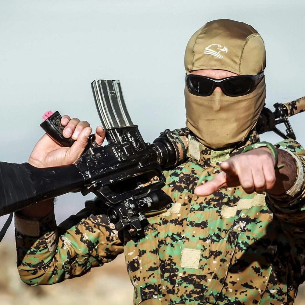 Żołnierz YPG (fot. Kurdishstruggle, lic. CC BY 2.0)