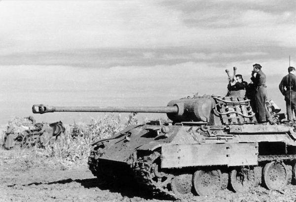 Jednym z najlepszych niemieckich czołgów z okresu II wojny światowej była Pantera. Zdjęcie z frontu wschodniego.