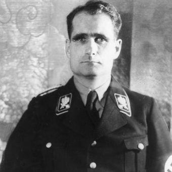 Hess był jednym z najbliższych współpracowników Hitlera.